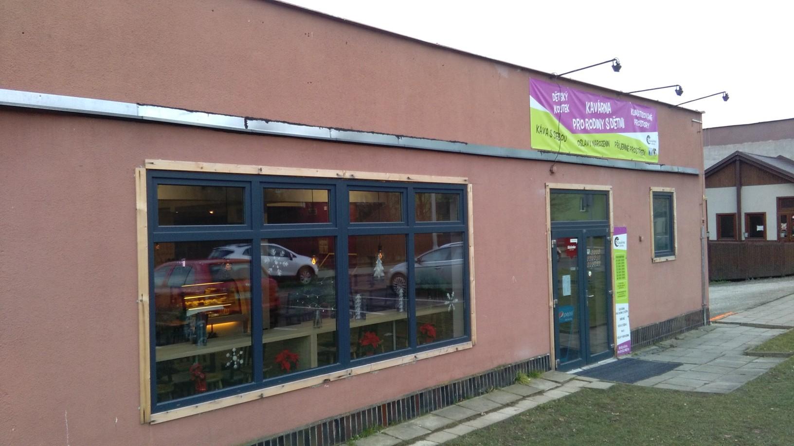 Pobočka Frýdek-Místek, Slezská 3150 (Kavárna u školky)