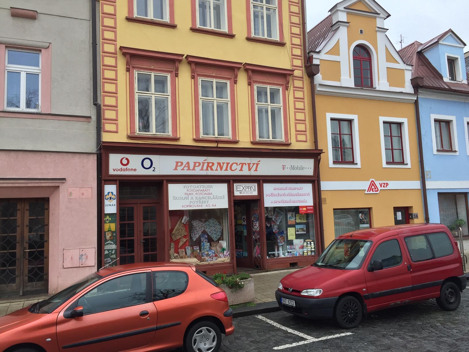Pobočka Jaroměř, náměstí  ČSA  23 (Papírnictví Expan)
