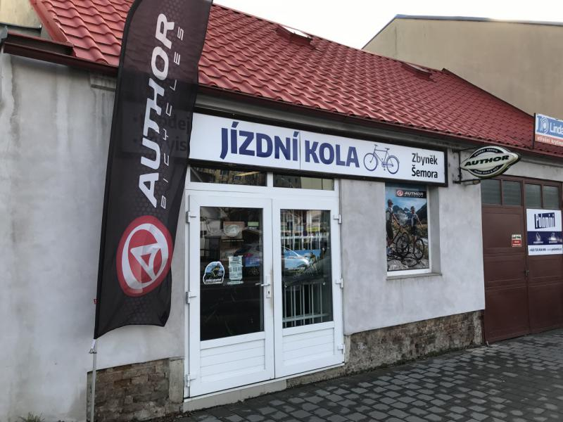 Pobočka Hustopeče, Dukelské náměstí 35/9 (Jízdní kola Zbyněk Šemora)