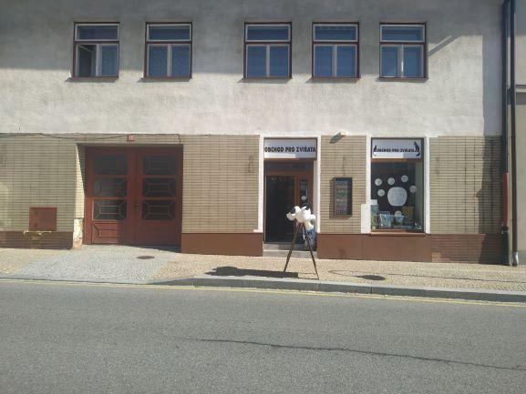 Pobočka Bystřice nad Pernštejnem, Masarykovo náměstí 12 (Obchod pro zvířata)