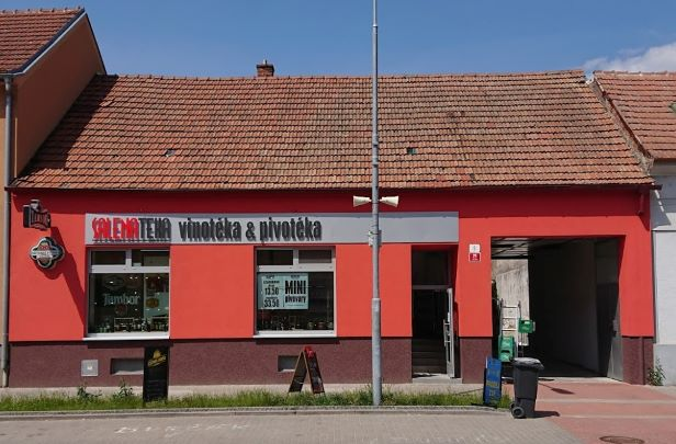 Pobočka Kuřim, Tyršova 6 (SALENATÉKA, pivotéka a vinotéka)